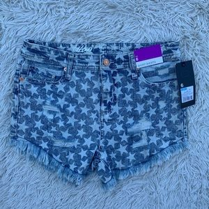 MOSSIMO DISTRESSED STARS N STRIPES JEAN SHORTS